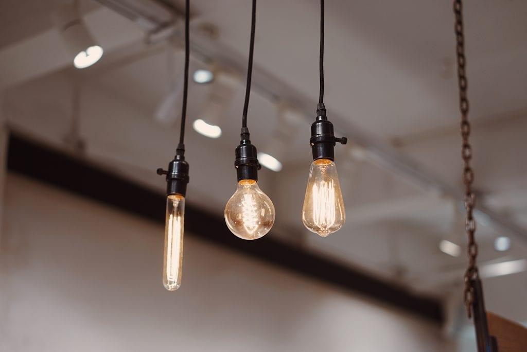 bil-tenaga-lampu